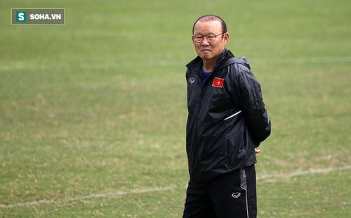 Thầy Park đăm chiêu nhìn U23 Việt Nam