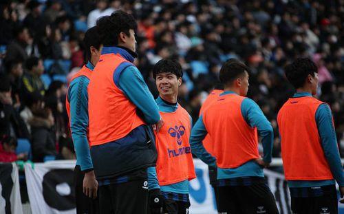 Sau khi lập cú đúp, Công Phượng gặp chấn thương trong trận đấu của Incheon United