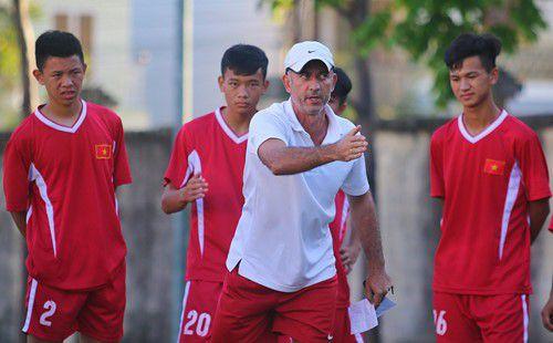 HLV Graechen chỉ ra điểm yếu mà lứa Công Phượng thua xa U19 Việt Nam hiện tại