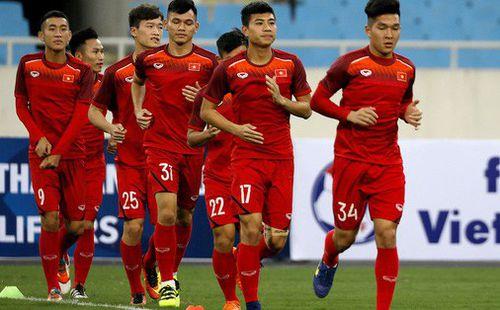 Vì sao HLV Park Hang-seo cho học trò tập luyện ngay trước giờ đấu Brunei?