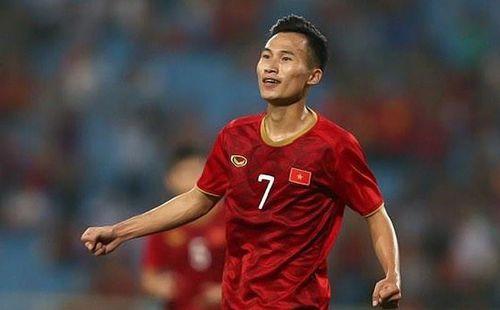 """Triệu Việt Hưng: """"Người không phổi"""" mới của HLV Park Hang-seo"""