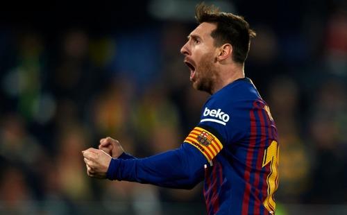 Messi sút phạt siêu phẩm trong ngày Barca có trận đấu