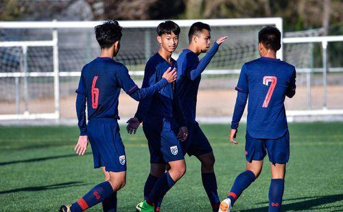 Sau thảm bại trước Barca, dàn sao Thái Lan chiến thắng đội trẻ của CLB La Liga