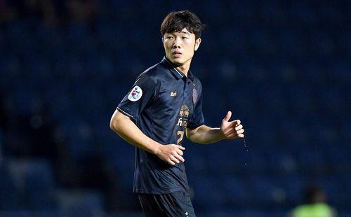 Fan Thái Lan khen ngợi Xuân Trường, kêu gọi Buriram cho cầu thủ Việt Nam thi đấu nhiều hơn
