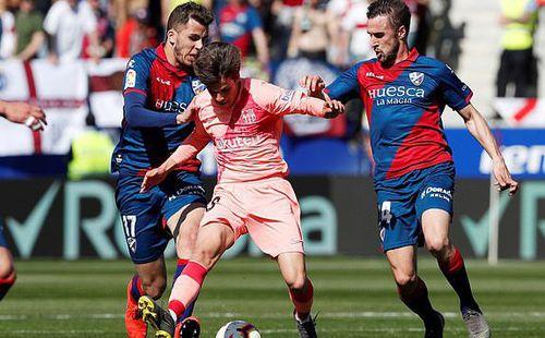 Nhờ ơn Man United, đội bét bảng La Liga nhận