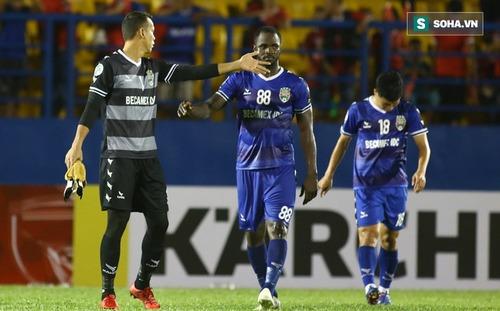 Thủ môn Việt gây tranh cãi với 2 bàn thua khó hiểu bất ngờ có cơ hội sớm trở lại sân cỏ
