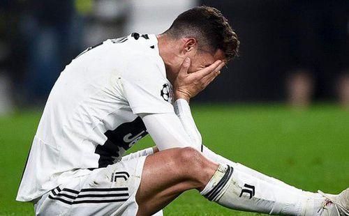 Cristiano Ronaldo: 34 tuổi vẫn gánh tạ còng lưng