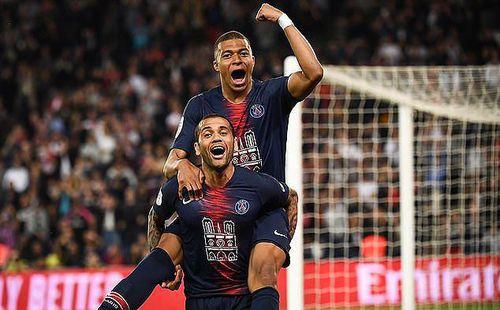 'Thần đồng' Mbappe lập hat-trick trong ngày PSG vô địch Ligue 1