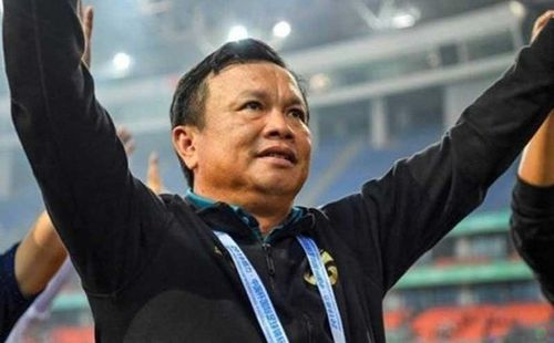 Thái Lan xin 'nợ' AFC vì dùng HLV không bằng cấp