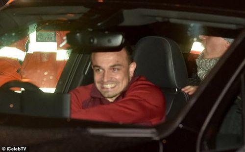 Dàn sao Liverpool cười... không ngậm được mồm sau đại thắng trước Barca