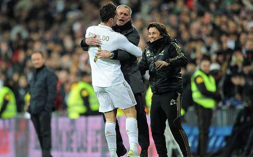 Tích cực lôi kéo Mourinho, Ronaldo muốn tạo dựng một