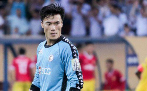 HLV Hà Nội FC hết lòng bảo vệ Bùi Tiến Dũng sau trận thua muối mặt trước Nam Định