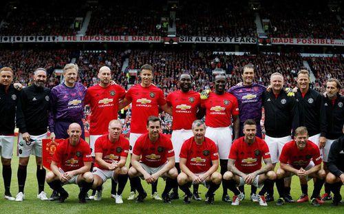 Những khoảnh khắc tuyệt vời của Beckham trong ngày về Old Trafford