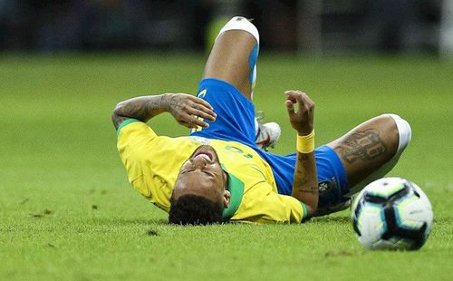 Chấn thương tai hại, Neymar chính thức bị Brazil gạch tên khỏi Copa America