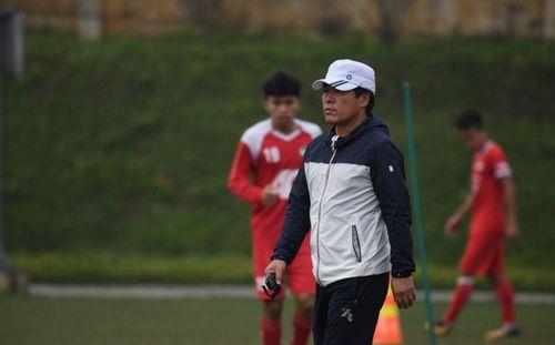 CLB Viettel bác tin đồn sa thải HLV Hàn Quốc Lee Heung-sil