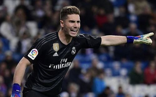 'Ông trùm' gây sức ép, HLV Zidane đành đẩy con trai khỏi Real