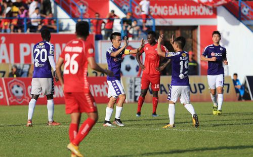 Quật ngã Hải Phòng, Hà Nội FC lên ngôi đầu bảng chỉ 3 ngày sau lời dự đoán của bầu Đức