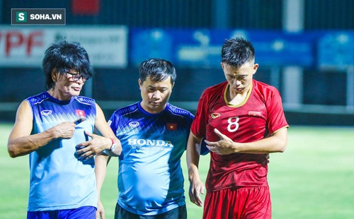 Đội trưởng U22 Việt Nam nhập viện, đồng đội hài lòng với chiến thắng trước đàn em U18