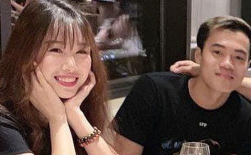 Văn Toàn công khai tag bạn gái vào bức ảnh gia đình hạnh phúc trên mạng, dân tình nghi vấn: