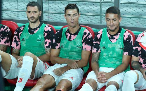Ronaldo và vụ 'treo đầu dê, bán thịt chó' ở Seoul