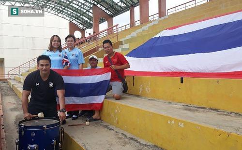 Có hành động đẹp với CĐV Thái Lan, fan Việt Nam nhận lại món quà lớn ở vòng loại World Cup