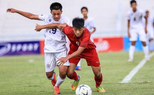 Gục ngã trên chấm 11m, Việt Nam ngậm ngùi nhìn Indonesia nhận giải