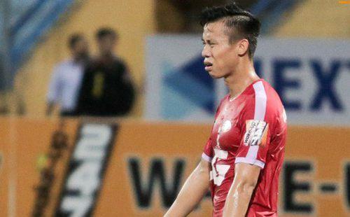 Cầu thủ đối phương tố Quế Ngọc Hải đá xấu đến rách cả tất trong trận thua của CLB Viettel