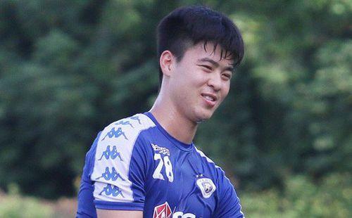 HLV Chu Đình Nghiêm báo tin khiến NHM lo lắng: 'Duy Mạnh đang bị đau nhưng chắc chắn sẽ phải thi đấu'