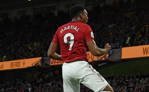 Ngôi sao Martial hướng tới kỷ lục ghi bàn tại M.U