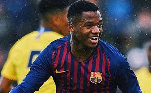 Mất 3 'trọng pháo', HLV Barcelona trao cơ hội cho tài năng 16 tuổi