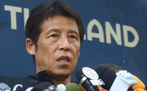 Trước thềm đại chiến, HLV Thái Lan bất ngờ khen ngợi và nhắc đến tình bạn với thầy Park