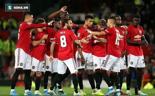 Thắng chật vật đội hạng 3 sau loạt luân lưu, Man United đại chiến Chelsea ở League Cup
