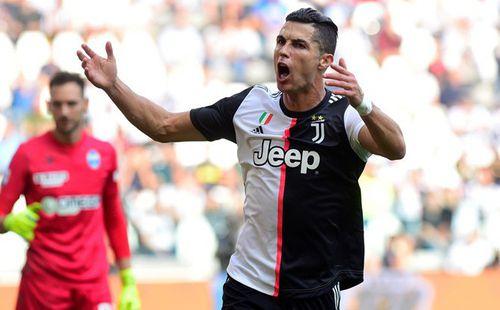 Ronaldo chật vật lập công giúp Juventus lên đầu bảng Serie A
