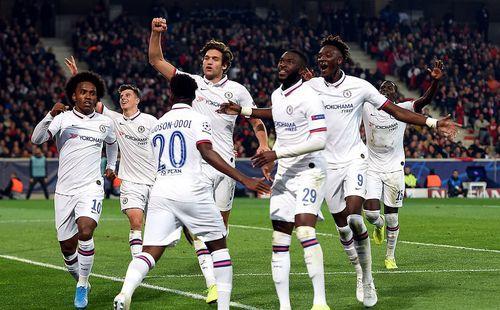 Chelsea chật vật có chiến thắng đầu tay trên đất Pháp