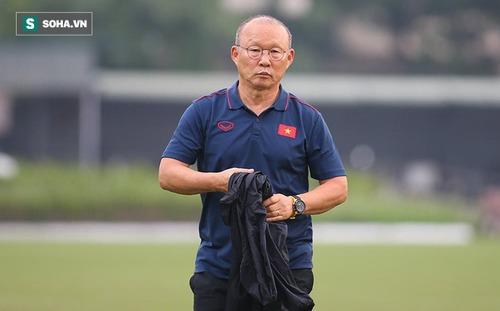 HLV Park Hang-seo cho ĐT Việt Nam nghỉ tập sau trận hòa đàn em U22