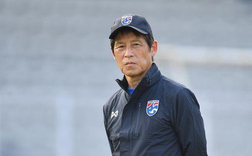 Sợ học trò ngồi không rơi phong độ, HLV Nishino lên kế hoạch đặc biệt cho tuyển Thái Lan