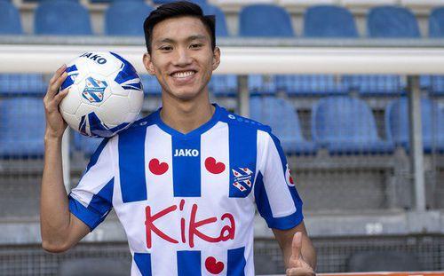 Công ty Việt Nam đàm phán hợp đồng tài trợ 60 tỷ đồng cho đội bóng của Đoàn Văn Hậu