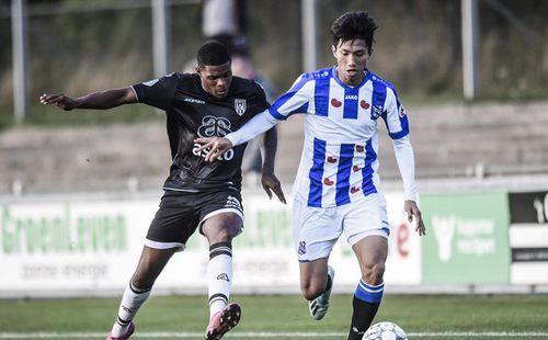 HLV Heerenveen khen ngợi đội nhà, cơ hội cho Văn Hậu vẫn còn xa?
