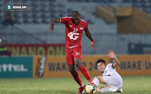 HLV Huỳnh Đức bất bình, đá xéo Ban huấn luyện U22 Việt Nam