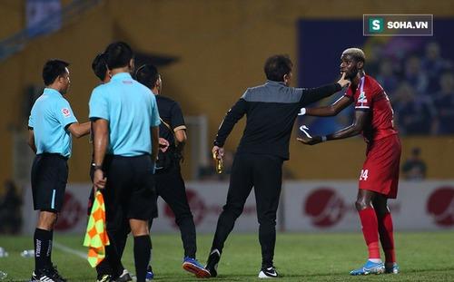Bạn thân của HLV Park Hang-seo trải lòng về màn ngăn cầu thủ bỏ đá ở trận đấu tranh cãi