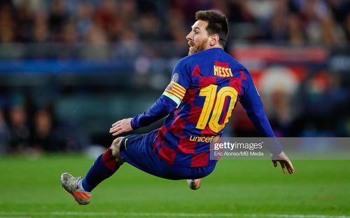 Barcelona trượt ngã, Premier League mỉm cười trong đêm