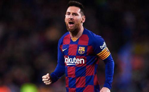 Messi lập cú đúp siêu phẩm sút phạt để cân bằng kỷ lục hat-trick với CR7 và giúp Barcelona giữ vững ngôi đầu La Liga