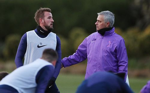 Mourinho dẫn dắt Tottenham: 3 người sắp