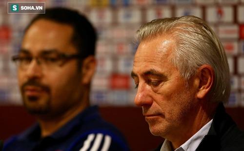 3 tuần sau khi bại dưới tay thầy Park, HLV á quân World Cup chính thức bị sa thải