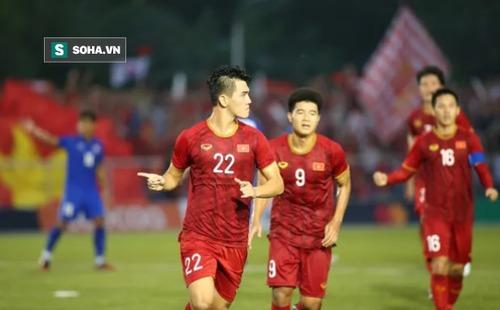 """Báo Trung Quốc gọi U22 Việt Nam là """"người khổng lồ"""", dùng từ """"bi thảm"""" để nói về Thái Lan"""