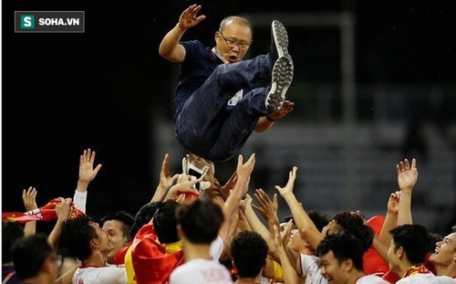 """Chiến tích """"độc nhất vô nhị"""" đầy vĩ đại của thầy Park không chỉ là tấm HCV SEA Games"""