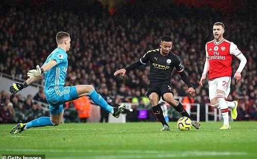 De Bruyne toả sáng, Man City nhấn chìm Arsenal