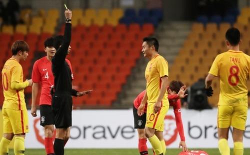 Bóng đá Trung Quốc nhận đòn đau: