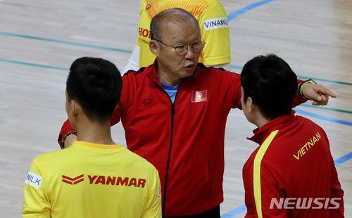 Huyền thoại Hàn Quốc chỉ ra điểm mạnh của U23 Việt Nam, khen thầy Park dạy học trò rất tốt