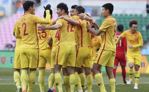 Báo Trung Quốc chê đội nhà: Hạ Hong Kong với đội hình